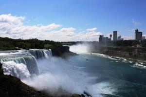 Blick vom Observatin Tower auf die Niagara Fälle